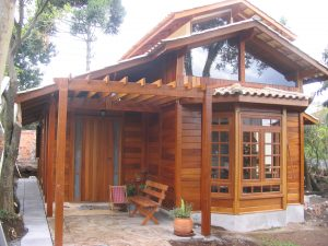 Casa de madeira de lei curitiba