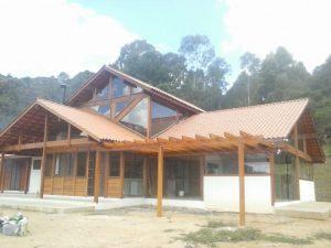 casas mescladas de madeira curitiba